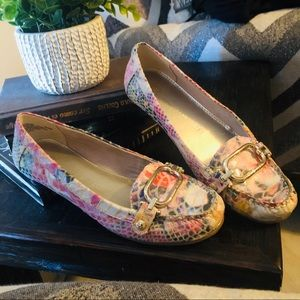 Anne Klein different tones of pink loafers